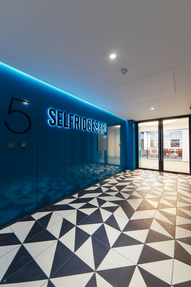 electrical contractor for Selfridges gallery 11